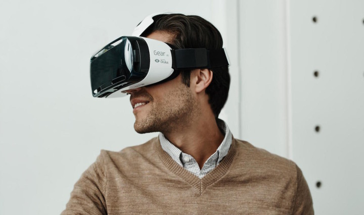 VR at retail stores is revolutionizing how customers shop and how retailers market to them.