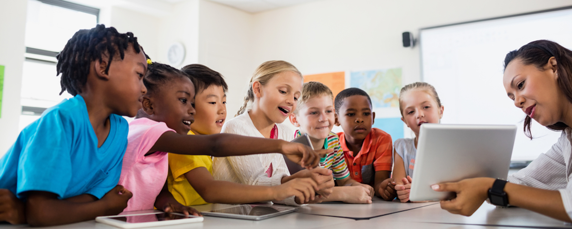 the use of technology in the classrooms Pros & cons of using technology in the elementary classroom while there are many positive aspects to technology use in the elementary classroom.